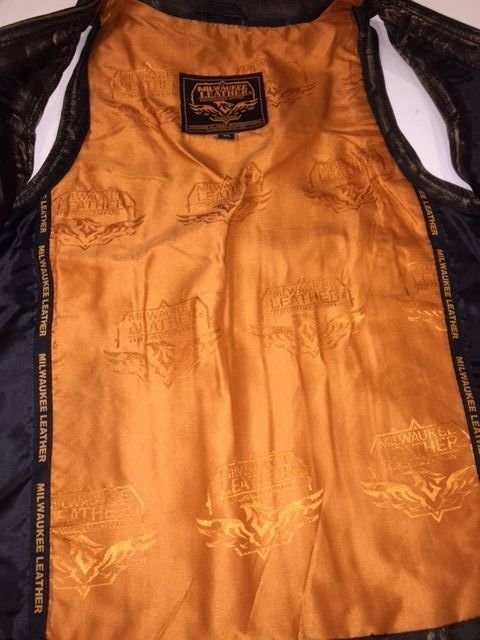 womens brown leather jacket inside