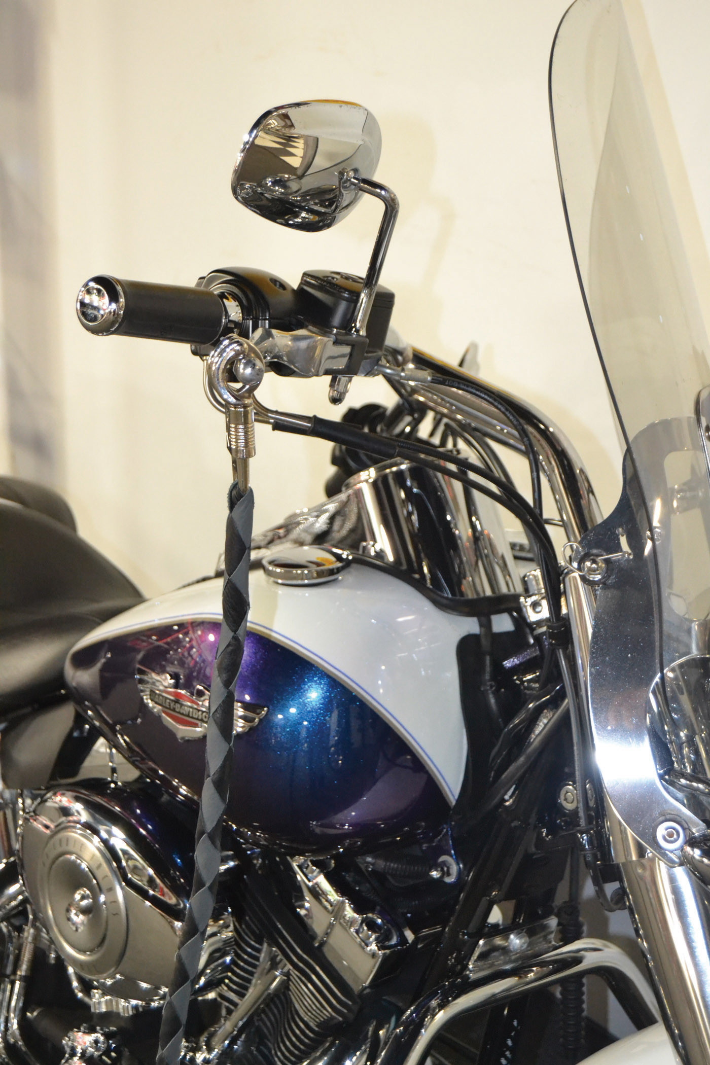 """42 Long 1//2/"""" Diameter Black /& White Combination Naked Soft Genuine Leather Motorcycle Get Back Whip"""